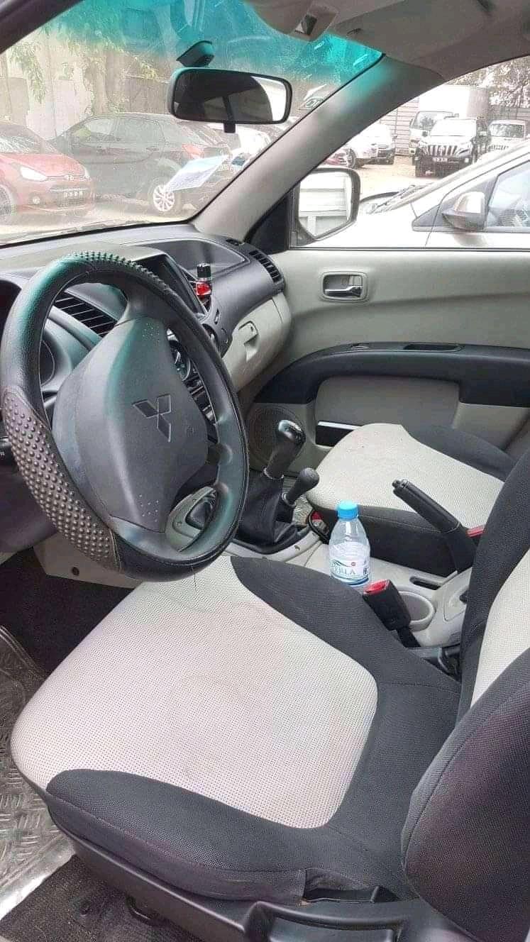 Vendo esta Carrinha Mitsubishi L200 em bom estado.