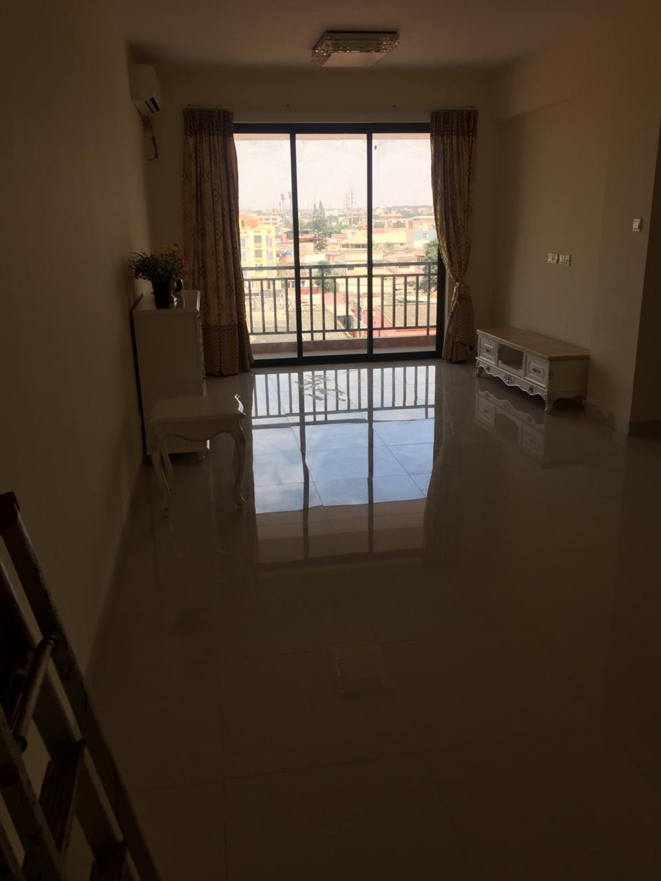 Arrendamos apartamento no condomínio Santos bikuku