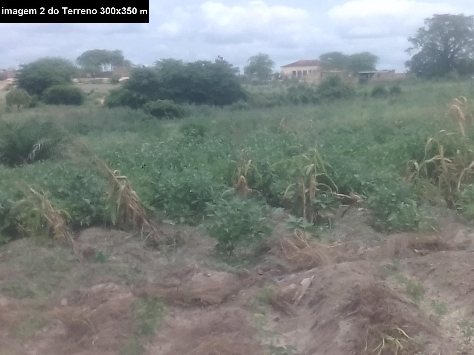 Terreno no Bengo de 300×350 m perto ao rio e lago