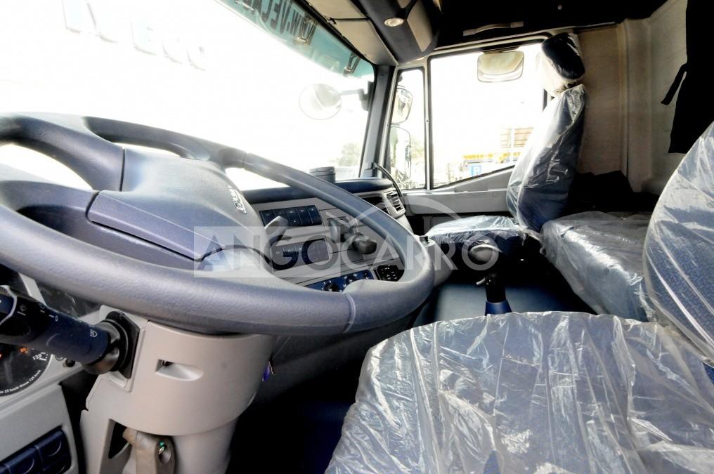 Caminhão Iveco