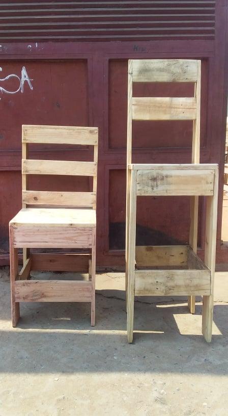 Cadeira de Madeira  Temos técnico disponível para trabalhar na casa do cliente