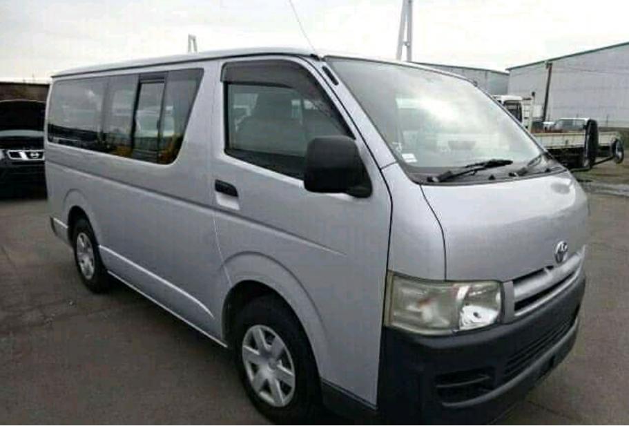 Toyota Hiace Quadradinho à venda