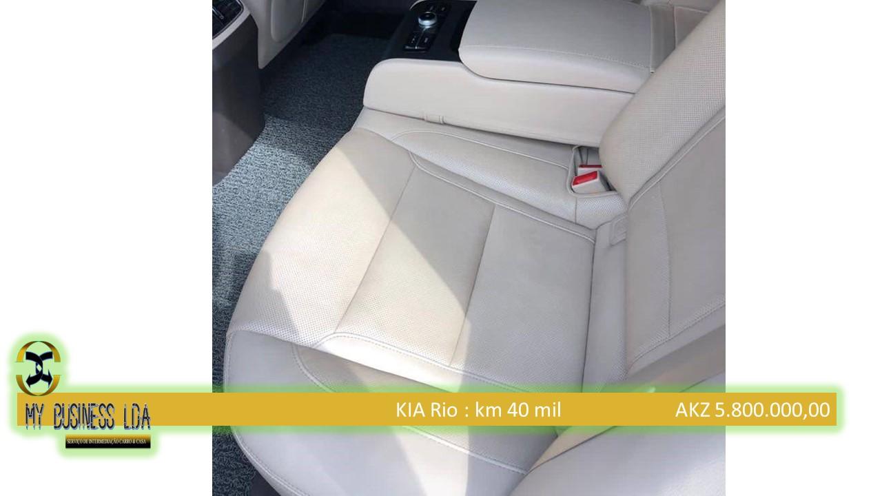 Kia Rio Com Motor selado •