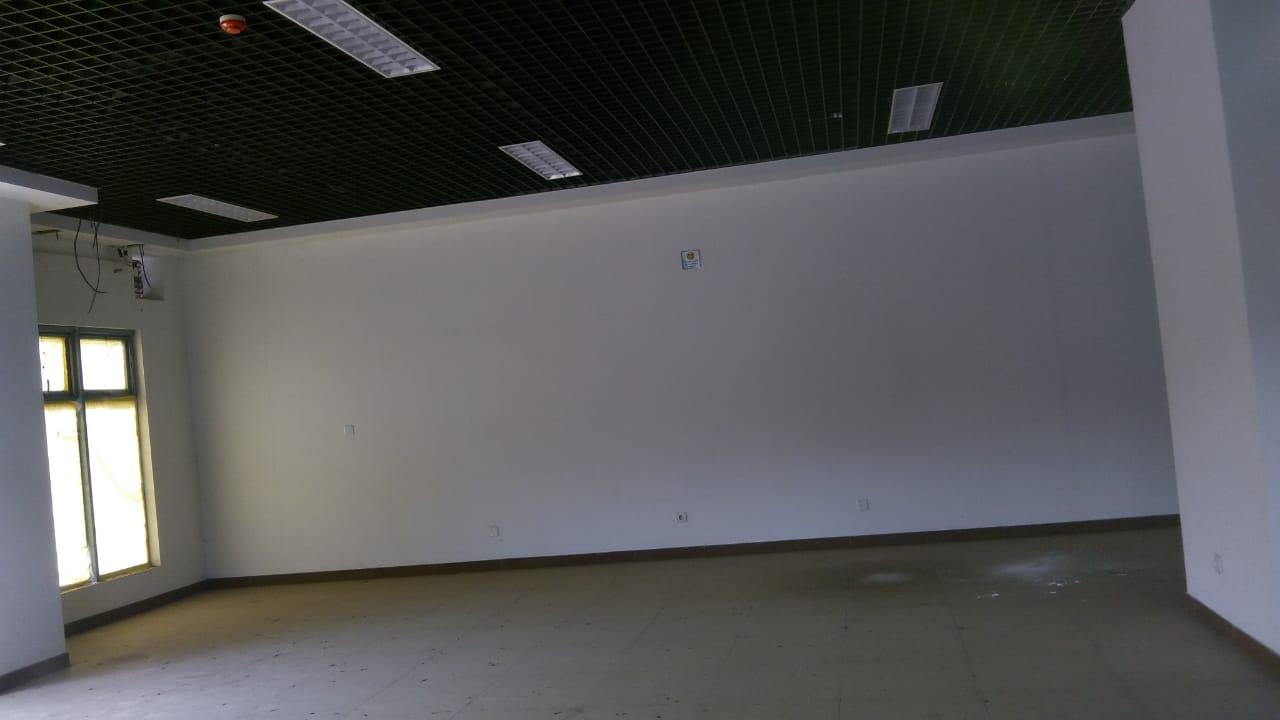 Myhouseangola.com VENDE-SE LOJA/ESCRITÓRIO 200 M2 NO CRUZEIRO.