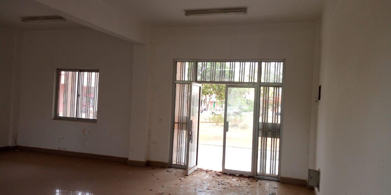 Myhouseangola.com VENDE-SE LOJA 64 M2- CENTRALIDADE DO SEQUELE