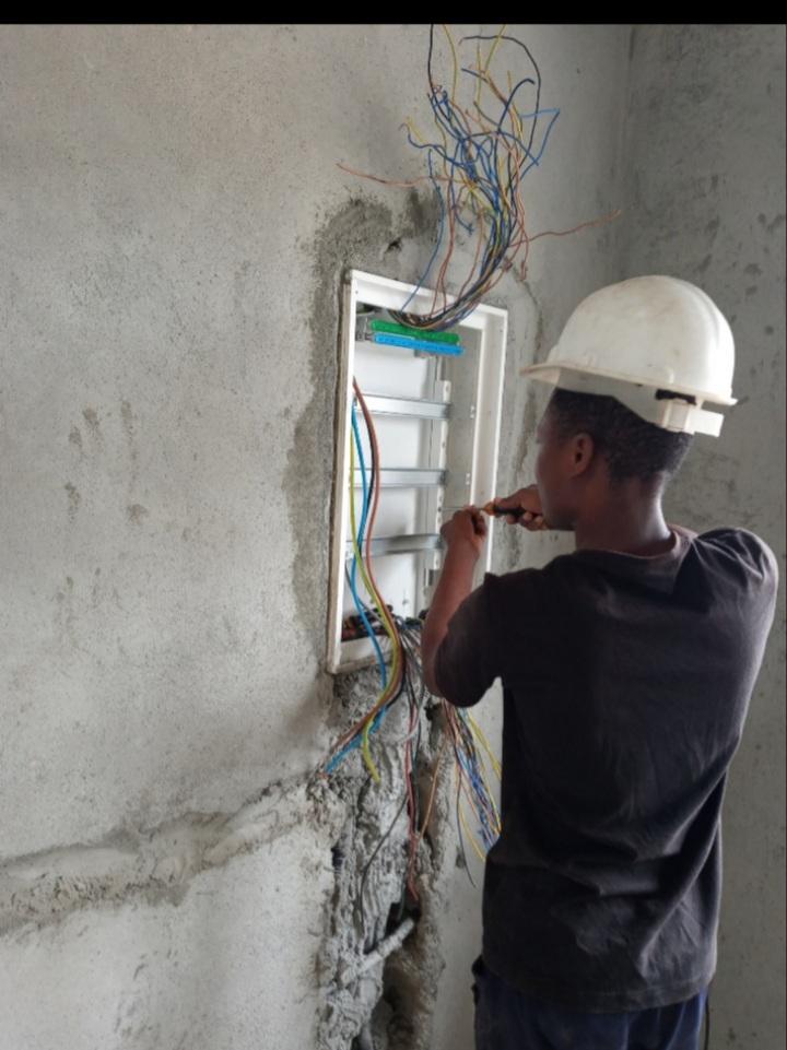 Apg instalações eléctricas